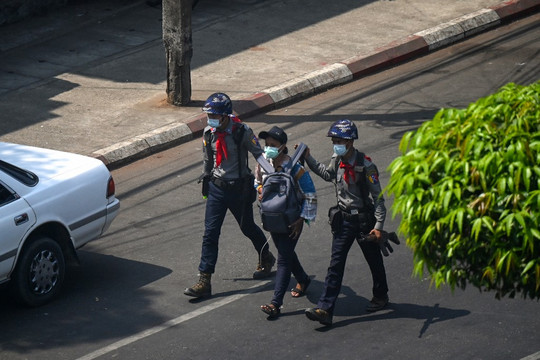 Myanmar: More journalists detained, media offices raided in Yangon