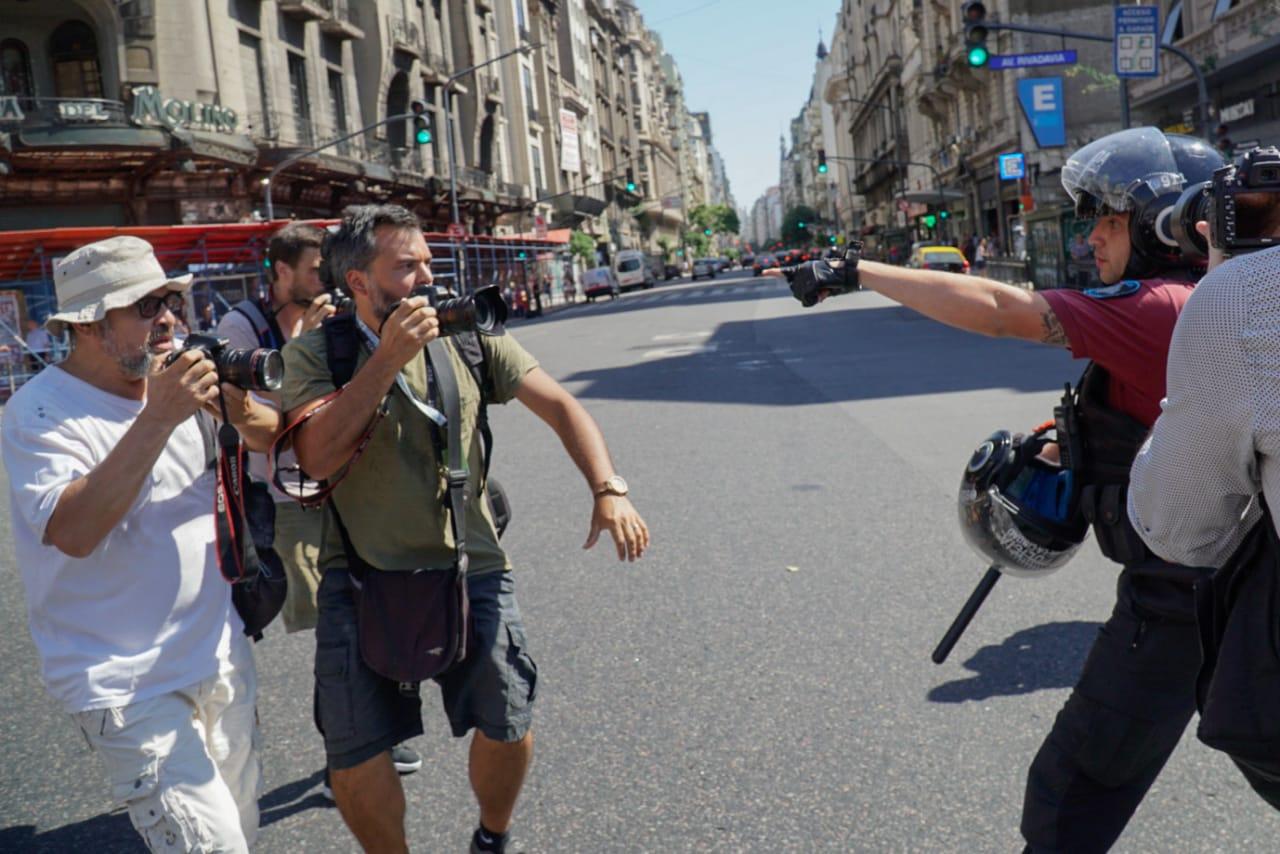 Argentina Golpean Y Detienen A Periodistas En La Cobertura De Una Manifestacin